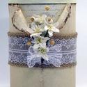 Díszdoboz - A cappuccino, Dekoráció, Esküvő, Otthon, lakberendezés, Tárolóeszköz, 5 fehér eperfából készült papír-liliomok a fő díszei ennek a doboznak. Minden virág egyedi ..., Meska
