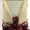 Díszdoboz - Antik borvörös, Dekoráció, Esküvő, Otthon, lakberendezés, Tárolóeszköz, Oldalán 5, tetején 3 borvörös eperfából készült papírrózsák a díszei ennek a doboznak. M..., Meska