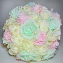 Tavaszi menyasszonyi csokor, Esküvő, Esküvői csokor, Virágkötés, Menyasszonyi örökcsokor Rózsaszín, menta és ekrü színű rózsákból kötöttem, a virágok szirmain apró ..., Meska