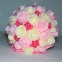 Romantikus habrózsa csokor, Esküvő, Esküvői csokor, Virágkötés, A csokorban a virágoktörtfehér, rózsaszín és pink habrózsák, a csokor szélét rózsaszín selyem horte..., Meska