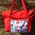 Piros vízhatlan   magyaros mintával egyterű nagy váll táska, Egyterű erős de könnyű táska sokat lehet bele...