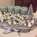 Pasztell zöld és ezüst karácsony, Dekoráció, Ünnepi dekoráció, Karácsonyi, adventi apróságok, Karácsonyi dekoráció, Mindenmás, Egyedi karácsonyi/adventi kosár. A kosár mérete: 34cmx16cmx9 cm. A pasztell zöld gyertyák jól illen..., Meska