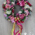 Tavaszi virágos kopogtató, ajtódísz, Otthon & lakás, Dekoráció, Dísz, Lakberendezés, Ajtódísz, kopogtató, Virágkötés, A kopogtató alapja egy szalma koszorú, amelyet selyemvirágokkal és szalaggal díszítettem. A dekorác..., Meska