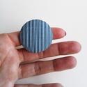 Kék matróz csíkos, nagyméretű OVERSIZED gombgyűrű, Ékszer, óra, Gyűrű, Kék-fehér matróz csíkos textilből készítettem ezt a nagyméretű (oversized) gombgyűrűt.  A gomb átmér..., Meska