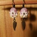 Virágos fülbevaló, Ékszer, Fülbevaló, Ékszerszett, Ékszerkészítés, Gyurma, Ez a virágos füli áttetsző rózsaszín és fehér FIMO gyurmából készült, strasszkő felhasználásával.  ..., Meska