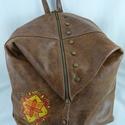 Extravagáns, nagyméretű, marhabőr háti táska. Vintage forma! Egyedi, kézzel festett motívummal!, Extravagáns, nagyméretű, VINTAGE háti... Kivá...