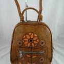Praktikus, erős műbőr háti, váll, és kézi táska, kézzel festett, egyedi mintával!, Masszív műbőrből készült, praktikus, sok zse...