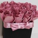Afriel mályvarózsái dobozban (selyemvirágok) A tökélestes ajándék minden alkalomra:)