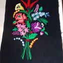 Falikép, fekete alapon, virágcsokor, Képzőművészet, Dekoráció, Otthon, lakberendezés, Hímzés, Fekete napszöveten, tavaszi virág csokor.                      -  Faliképnek,  - díszpárnának,  - d..., Meska