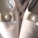 Bárónő cipőklipsz, Esküvő, Hajdísz, ruhadísz, Cipő, cipőklipsz, Gyöngyfűzés, Varrás, AKCIÓ!!! MINDEN 5000 FELETTI VÁSÁRLÁS UTÁN AJÁNDÉK A VÁSÁROLT TERMÉK MELLÉ.10000 FT FELETT INGYEN P..., Meska