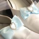 Valami kék cipőklipsz, Esküvő, Hajdísz, ruhadísz, Cipő, cipőklipsz, Gyöngyfűzés, Varrás, AKCIÓ!!! MINDEN MENYASSZONY AJÁNDÉKOT KAP A VÁSÁROLT TERMÉK MELLÉ.10000 FT FELETT INGYEN POSTA :)  ..., Meska