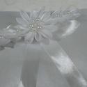Gyűrűpárna, Esküvő, Gyűrűpárna, Varrás, A gyűrűpárna a szertartás fontos kelléke,hiszen ezen érkeznek a gyűrűk. Fontos,hogy illeszkedjen a ..., Meska