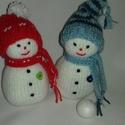 Havas páros-kötött hóemberkék, Kötött hóemberkepár Talpától a sapkája bojt...