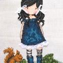 Kék ruhás kislány mókussal / Gorjuss, Baba-mama-gyerek, Dekoráció, Gyerekszoba, Kép, 16x20 cm hímzett kép, Meska