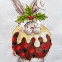 Bebunni - Nyuszi és a karácsonyi puding, Dekoráció, Baba-mama-gyerek, Ünnepi dekoráció, Karácsonyi, adventi apróságok, Karácsonyi dekoráció, Gyerekszoba, 16x22 cm keresztszemes hímzés, Meska