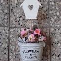 Tavaszi HÁZIKÓS asztaldísz  -KÉSZTERMÉK, Dekoráció, Otthon, lakberendezés, Húsvéti apróságok, Kaspó, virágtartó, váza, korsó, cserép, Virágkötés, Mindenmás, Egyedi asztaldíszt készítettem. A kaspót lefestettem fehérre, majd rá dekupázsoltam a feliratot. Ki..., Meska