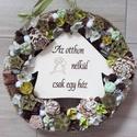 ZÖLD kutyatáblás KOPOGTATÓ, AJTÓDÍSZ, Dekoráció, Otthon, lakberendezés, Ajtódísz, kopogtató, Koszorú, Mindenmás, Virágkötés,  A szalma alapot gazdagon díszítettem apró művirágokkal, termésekkel ming virággal és mű zöldekkel,..., Meska