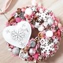 HAVAS SZÍV fehér-pink karácsonyi ajtódísz , Dekoráció, Karácsonyi, adventi apróságok, Ünnepi dekoráció, Karácsonyi dekoráció, Virágkötés, Mindenmás, A glamour asztaldíszekre jellemző a pompa és fényűzés. A meglepetésekhez illik a lila, mályva, ezüs..., Meska