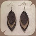 Fülbevaló - barna / valódi bőr, Ékszer, Fülbevaló, Az ékszer a következő alapanyagokból készült: - valódi olasz bőr - nikkelmentes fém, Meska