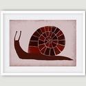 Babaszoba, gyerekszoba dekoráció, fali kép - Csiga bordó, lila A4 illusztráció, Dekoráció, Kép, Babaszoba, gyerekszoba fali dekoráció. A csiga saját rajzból készült digitális nyomdai nyomat.  Jell..., Meska