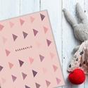 Babanapló, bébinapló, emlékkönyv, kemény fedeles könyv, rózsaszín, lila kisbabáknak, kislányoknak háromszög mintával, Baba-mama-gyerek, Naptár, képeslap, album, Jegyzetfüzet, napló, Saját tervezésű babanapló, bébinapló, emlékkönyv, kemény fedeles könyv, rózsaszín, lila kisbabáknak,..., Meska