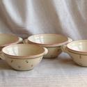 Festett kerámia edény készlet, Fehér agyagból korongoztam az edényeket. 1100 f...