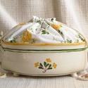 Mázas kenyértartó, sárga rózsás kenyérzsákkal, Az edényt fazekaskorongon készítettem majd ová...