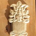 Csigacsináló tábla, Gipszformába préselve, fehér agyagból készül...