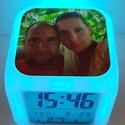 Fényképes órák készítése, Kocka alakú ébresztőóra digitális kijelzővel...