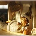 ÉDES OTTHON ajtódísz - személyre szóló ajándék házikó , Képzőművészet, Otthon, lakberendezés, Dekoráció, Karácsonyi, adventi apróságok, Ünnepi dekoráció, Ajtódísz, kopogtató, Angyalkás családi ajándék: ÉDES OTTHON  Az ajtódísz őrangyala őrködik a  ház lakói fölött.    Mérete..., Meska