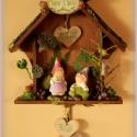 Barna Erdei Házikó személyre szóló szívecskékkel -minden család örömére, Dekoráció, Otthon, lakberendezés, Férfiaknak, Ajtódísz, kopogtató, Barna Erdei Házikó személyre szóló szívecskékkel -minden család örömére  A személyre szabáshoz kerám..., Meska