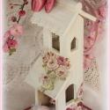 Shabby lakásdísz - RÓZSÁS HÁZIKÓ, Otthon, lakberendezés, Dekoráció, Húsvéti apróságok,  Shabby rajongók kedvence!  A fából készült hófehér házikó különleges rózsamintával díszített!  Körn..., Meska