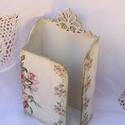 Rózsaszín rózsás, bézs színű  fa kosár ívelt füllel bézs színű papírzsebkendő tartó , Dekoráció, Esküvő, Ünnepi dekoráció, Nászajándék, Rózsaszín rózsás, bézs színű  fa kosár ívelt füllel, bézs színű papírzsebkendő tartó 50 db zsepihez ..., Meska