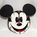 Mickey egeres falióra, Ékszer, Otthon, lakberendezés, Karóra, óra, Falióra, óra, Fa alapanyagra festett Mickey egeres óra, néma óraszerkezettel! A festék színes akril, fedőré..., Meska
