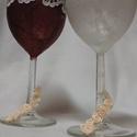 Esküvői pohár szett, Esküvő, Dekoráció, Mindenmás, Nászajándék, Esküvői boros pohár szett az ifjú párnak! Rizspapírból készült, dekupázs technikával, ami..., Meska