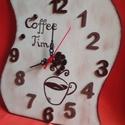 Kávés konyhai falióra, Dekoráció, Ékszer, Otthon, lakberendezés, Falióra, óra, Festészet, Mindenmás, Egyedi formájú, festésű és dekorált falióra, ami fa alapra készült. Akrilfestékkel festett és kávés..., Meska