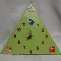 Angry Birds gyermek falióra, Ékszer, Otthon, lakberendezés, Falióra, óra, Fa alapanyagra festett Angry Birds falióra, néma óraszerkezettel! A festék zöld-piros akril, fedőrét..., Meska
