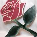 Rózsa formájú falióra, Ékszer, Otthon, lakberendezés, Falióra, óra, Festészet, Fa alapanyagra készült, rózsaszál formájú falióra, néma szerkezettel. Kézzel, akrillal festett, egy..., Meska