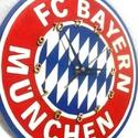 Bayern München falióra, Ékszer, Otthon, lakberendezés, Falióra, óra, Fa alapanyagra, kézzel festett Bayernl-es falióra focirajongóknak, néma óraszerkezettel!  Gyönyörű d..., Meska