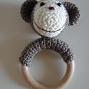 Babacsörgő: majom, Baba-mama-gyerek, Játék, Baba-mama kellék, Horgolás, Állatos csörgő a legkisebbekre gondolva.  Saját minta alapján készült horgolt majom, mely egy fakar..., Meska