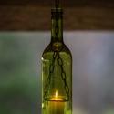 Borosüveg lámpa Zöld AL3, Férfiaknak, Otthon, lakberendezés, Sör, bor, pálinka, Lámpa, Üvegművészet, Fémmegmunkálás, Borosüvegből készült hangulatos mécses,mely bárpultok,borospincék,teraszok hangulatos kiegészítője ..., Meska
