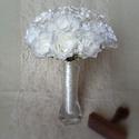 Letisztult tört fehér menyasszonyi rózsacsokor, Esküvő, Dekoráció, Esküvői csokor, Mindenmás, Nagyon megtetszett ennek a szatén rózsának az elkészítése és nem utolsó sorban a kinézete. Így eset..., Meska