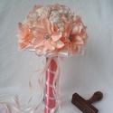 Barbelle menyasszonyi csokor - barack, Esküvő, Esküvői csokor, Mindenmás, Fantáziavirágokból készítettem ezt a csillogó menyasszonyi csokrot. A szirmok is egyesével, kézzel ..., Meska