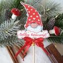 Betűzhető, pálcikás manó, Dekoráció, Ünnepi dekoráció, Karácsonyi, adventi apróságok, Karácsonyi dekoráció, Ajándékkísérő, képeslap, Mintás filcből vágtam ki ezt a kedves kis figurát, majd keményítés után masnit, csengettyűt..., Meska