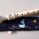 Furulyatartó, Lila gyapjúfilcből készült kb. 6 X 35 cm-s fur...