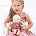 Újdonság!- Waldorf baba, és azonos anyagból készült kislány ruha, Játék, Ruha, divat, cipő, Baba, babaház, Gyerekruha, Egy új, nagyon kedves termékkel készültem az ünnepekre: baba- ruha páros.  A baba: Természetes alapa..., Meska