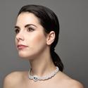 fehér sujtás nyaklánc, sujtás ékszer, sujtásnyakék, esküvői sujtás ékszer, egyedi sujtás ékszer, sujtásos nyaklánc, Ékszer, Esküvő, Nyaklánc, Esküvői ékszer, Ékszerkészítés, Gyöngyfűzés, gyöngyhímzés, fehér-ezüst sujtás nyaklánc ezüst rivoli kristályokkal.  Különleges, sujtás (kézi varrás) technikáv..., Meska