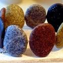 Stonehenge karkötő, Ékszer, Karkötő, Süthető gyurmából készítettem kő hatású natúr karkötő. Az élethű kavicsokat ékszergumira fűztem így ..., Meska