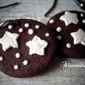 Karácsonyi keksz fülbevaló, Ékszer, Fülbevaló, Élethű kekszet készítettem süthető gyurmából.  Átmérője: 2 cm. Teljes hossz : 4 cm.  Nézz szét a bol..., Meska