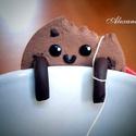 Csokis keksz Teafiltertartó, Konyhafelszerelés, Dekoráció, Bögre, csésze, Ünnepi dekoráció, Karácsonyi, adventi apróságok, Ékszerkészítés, Gyurma, Ilyen hidegben nincs is jobb mint egy bögre forró tea csokis keksszel kísérve :) Ez az ennivaló mos..., Meska
